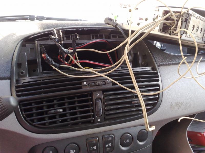 Sostituire autoradio dopo aver subito un furto, Fai da te
