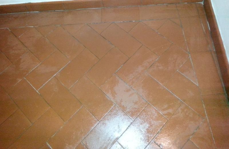 Olio di lino per ravvivare pavimenti in cotto fai da te foto oldwildweb - Ravvivare cotto esterno ...