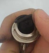 La guarnizione a scodellino danneggiata è la causa degli schizzi della cassetta del WC, Casa