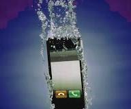 Cellulare caduto nell'acqua cosa fare per farlo asciugare